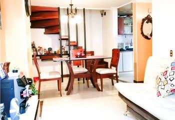 Casa en venta en Mazuren de 70mts, tres niveles