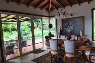 Parc San Luis, Casa en venta en Alto Del Escobero (Envigado) de 4 alcobas