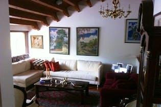 Casa En venta En Bogota Santa Ana Oriental con cuatro habitaciones