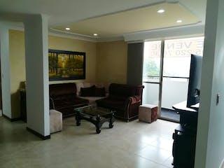 Una sala de estar llena de muebles y una televisión de pantalla plana en URB POLARIS