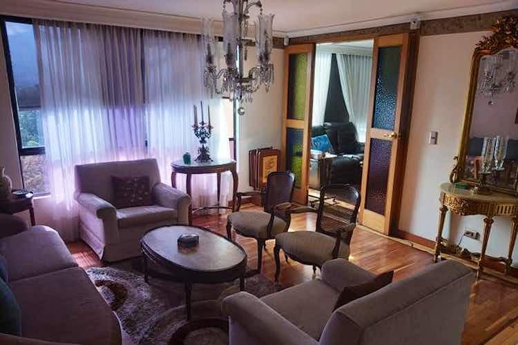 Portada Apartamento en venta en La Aguacatala de tres habitaciones