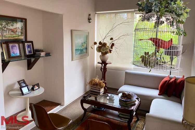 Portada Apartamento en venta en Patio Bonito de cuatro habitaciones