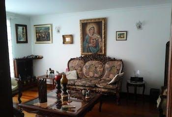 Casa En Venta En Bogota El Batan sala con chimenea