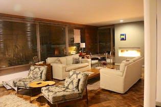 Apartamento en Bogota el Refugio - remodelado, dos alcobas c/u con baño