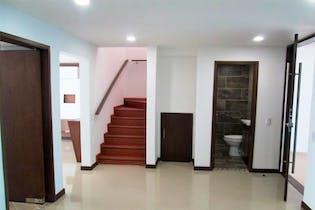 Casa en venta en Modelia de 4 habitaciones