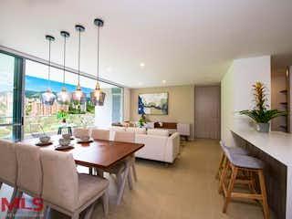 Una sala de estar llena de muebles y una mesa en Ceylan 34