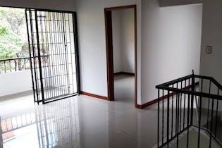 Casa en venta en Laureles de 3 hab.