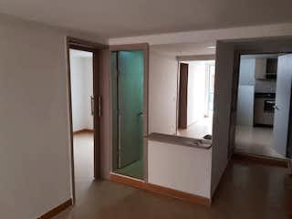Un cuarto de baño con ducha y lavabo en Apartamento en venta en San José de dos alcobas