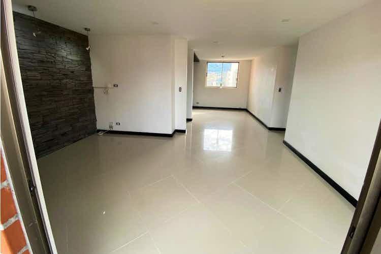 Portada Apartamento en venta en Loma de los Bernal de cuatro alcobas