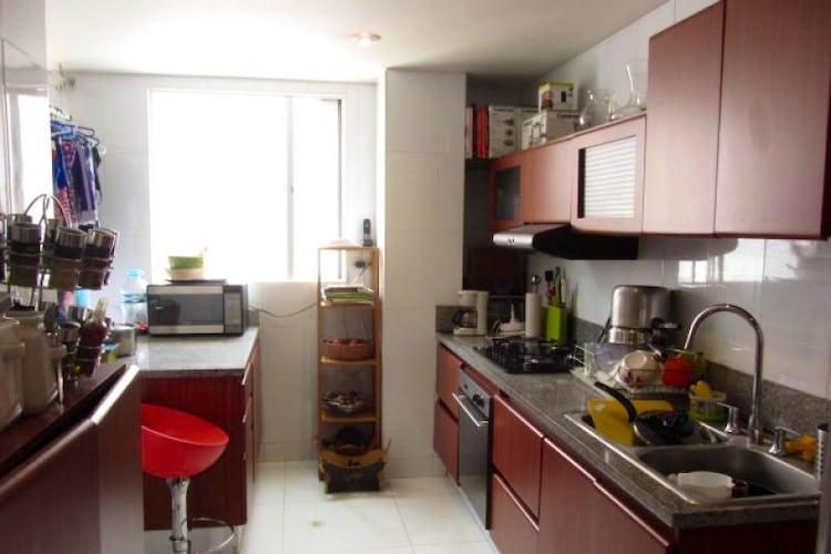 Foto 17 de Apartamento En Venta En Bogota La Carolina con Tres alcobas cada una con baño.