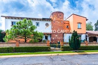 Residencia en Paseo del Carmen, Col. La Asunción, Metepec, Estado de México