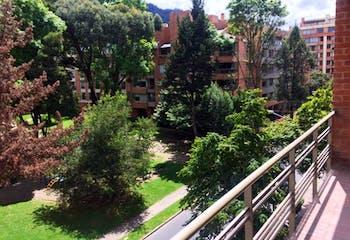 Apartamento En Bogota Chico Reservado cuenta con dos alcobas