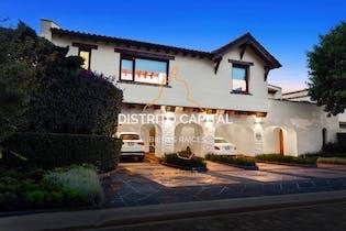 Casa estilo Europeo en venta en el Club de Golf Los Encinos, Estado de Mexico