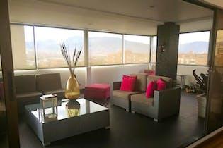 Apartamento en venta en Patio Bonito de cuatro habitaciones