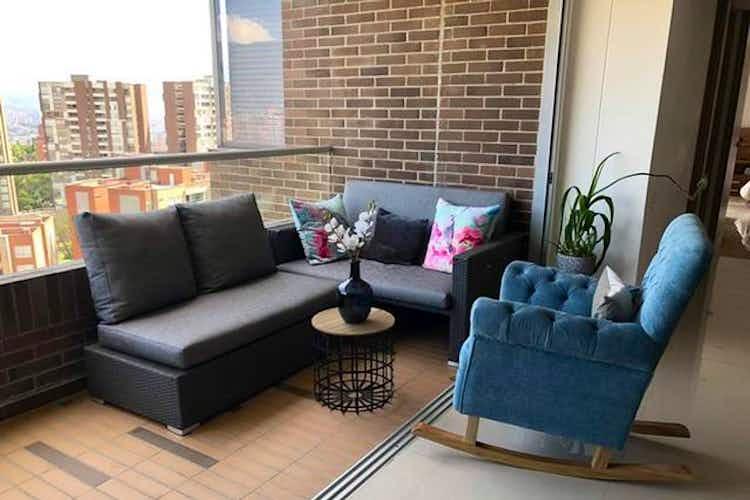 Portada Apartamento en venta en Loma del Chocho de 3 habitaciones
