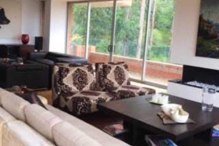 Portada Apartamento En Bogota Bosque Del Marques cuenta con 4 alcobas y estudio.