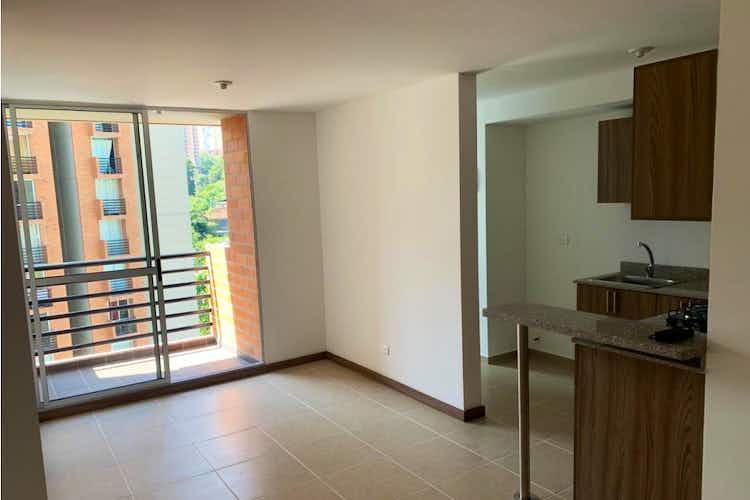 Portada Apartamento en venta en Las Brisas de tres habitaciones