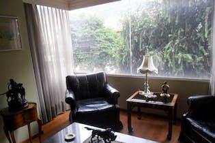 Apartamento en Bogota Santa Barbara - con dos garajes independientes y depósito