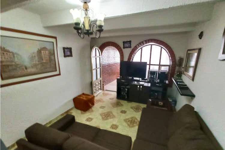 Portada Casa en venta en Engativá Pueblo de 84mts, dos niveles