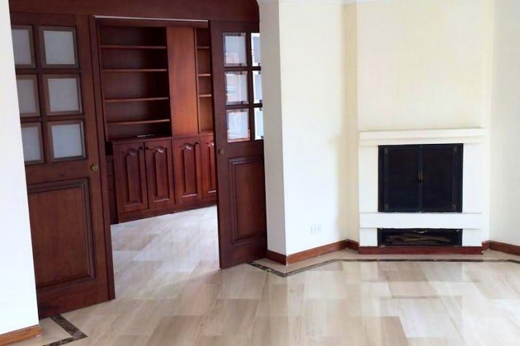Foto 3 de Apartamento en Bogota Santa Barbara Occidental - tres alcobas c/u con baño