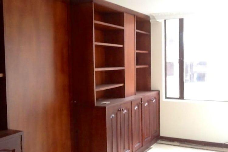 Foto 8 de Apartamento en Bogota Santa Barbara Occidental - tres alcobas c/u con baño