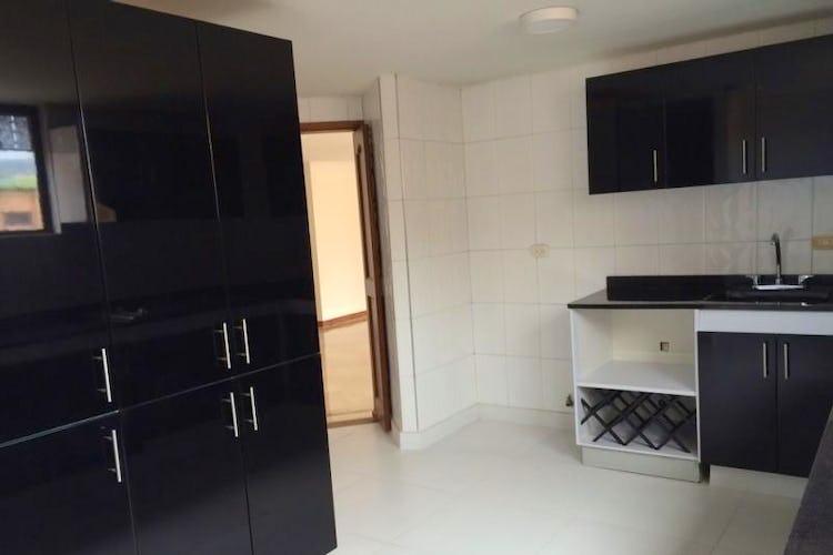 Foto 13 de Apartamento en Bogota Santa Barbara Occidental - tres alcobas c/u con baño