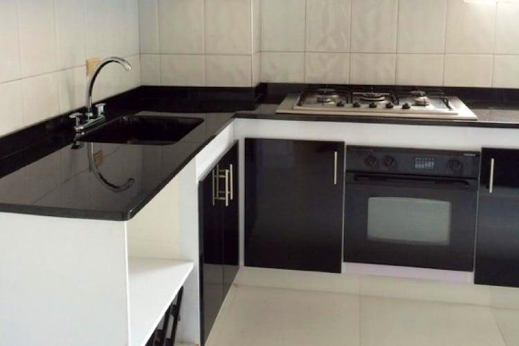Foto 15 de Apartamento en Bogota Santa Barbara Occidental - tres alcobas c/u con baño