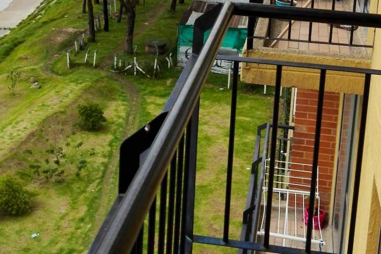 Foto 6 de Apartamento En Bogota-Marsella con vista exterior a los cerros.
