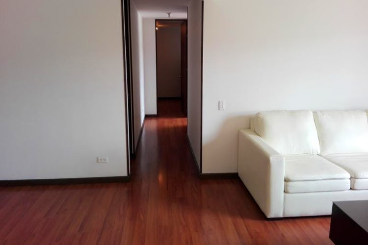 Foto 9 de Apartamento En Bogota-Marsella con vista exterior a los cerros.