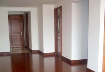 Apartamento en Bogota Santa Barbara Occidental - dos garajes independientes y depósito