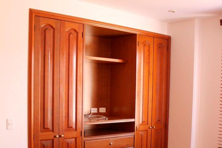 Foto 5 de Apartamento en Bogota Santa Barbara Occidental - dos garajes independientes y depósito