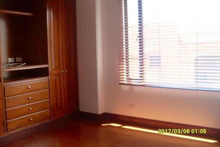Foto 7 de Apartamento en Bogota Santa Barbara Occidental - dos garajes independientes y depósito