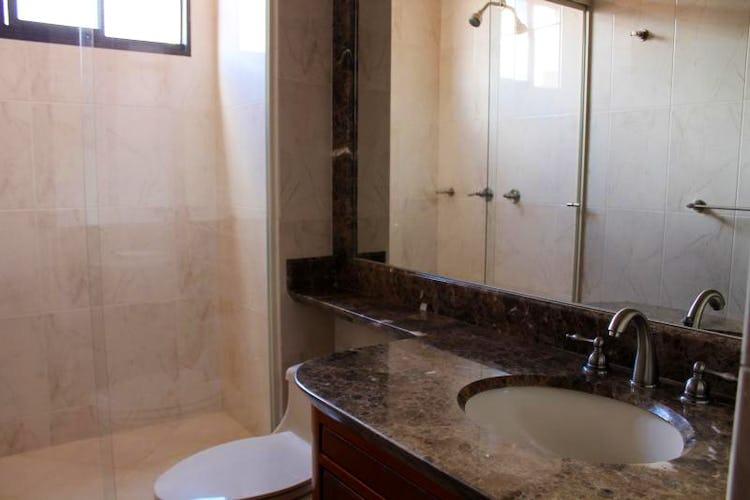 Foto 10 de Apartamento en Bogota Santa Barbara Occidental - dos garajes independientes y depósito