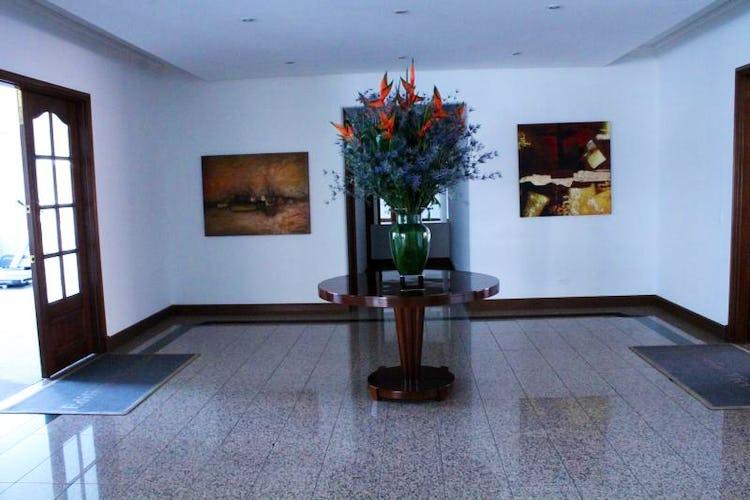 Foto 13 de Apartamento en Bogota Santa Barbara Occidental - dos garajes independientes y depósito