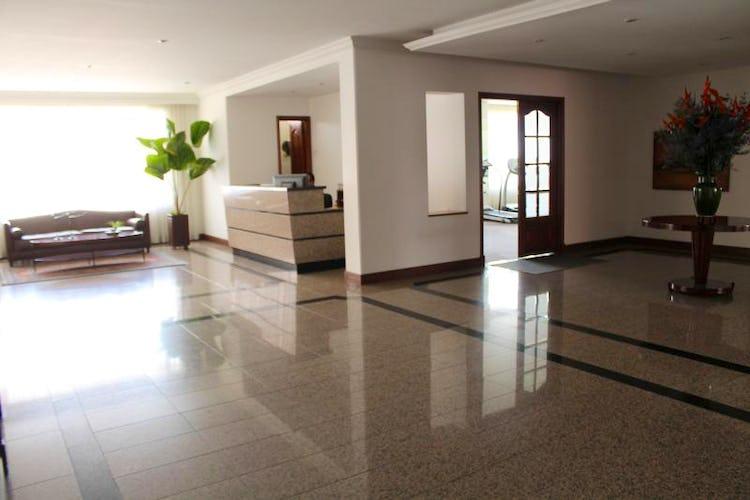 Foto 14 de Apartamento en Bogota Santa Barbara Occidental - dos garajes independientes y depósito