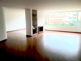 Una vista de una sala de estar y una sala de estar en Apartamento en venta en San Patricio, de 200mtrs2