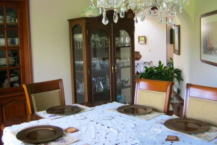 Portada Casa en San Jose De Bavaria, 4 habitaciones- 231m2.