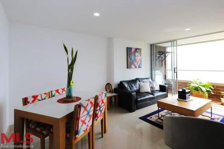 Portada Apartamento en venta en Las Lomitas de 3 habitaciones