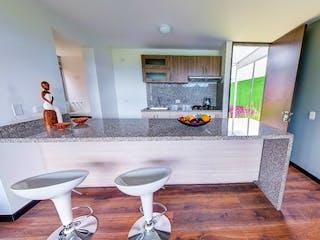 Un cuarto de baño con lavabo y espejo en San Simón