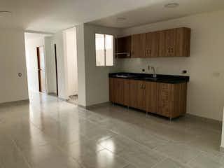 Una cocina con fregadero y nevera en Apartamento en venta en Santa Fé de Antioquia, 90mt
