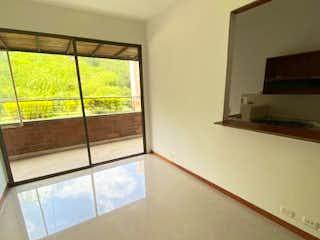 Una vista de una sala de estar con una ventana en CANTIZAL