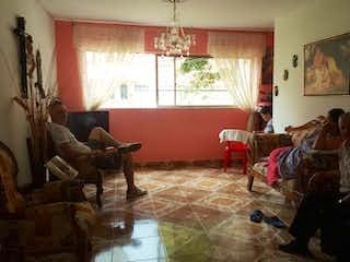 Una sala de estar llena de muebles y una ventana en Apartamento en venta en Aranjuez, 114mt