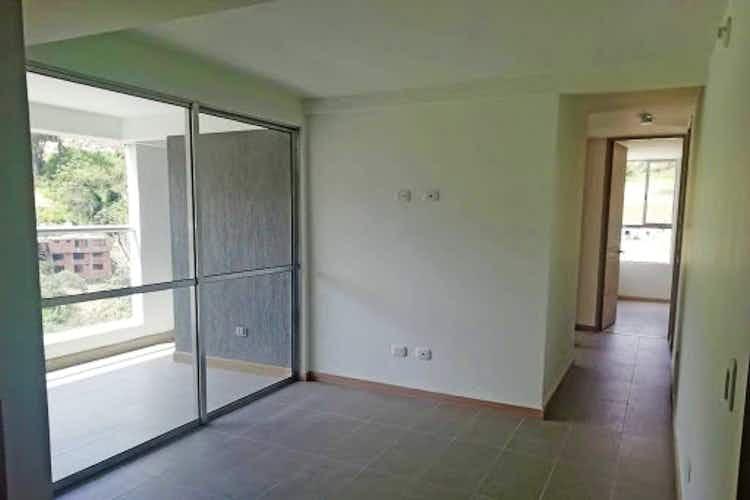 Portada Apartamento en venta en Loma de los Bernal, 67mt con balcon