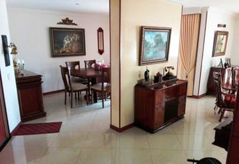 Apartamento En Venta En Bogota Suba, con espectacular vista panorámica con balcón y terraza.