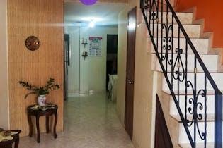 Casa en venta en Ditaires de 110mts, tres niveles