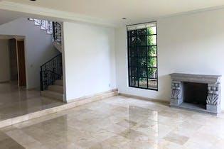 Casa en venta en Bosque de las Lomas de cuatro recamaras