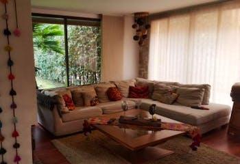 Casa En Venta En Bogota San Jose De Bavaria, con cuatro alcobas con baño.