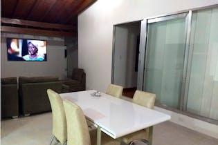 Casa en venta en Simon Bolivar, 210m² con Balcón...