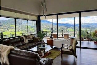Vendo Casa Con Hermosa Vista Y Excelentes Acabados En El Retiro