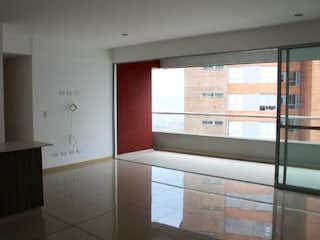 Una vista de un cuarto de baño con una puerta de cristal en Apartamento en venta en Loma de Las Brujas de dos alcobas